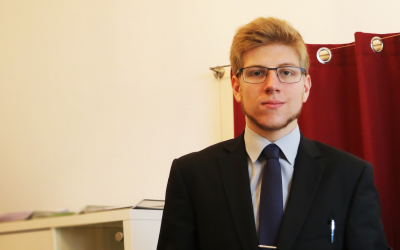 Foto des Geschäftsführers Sebastian Löllgen